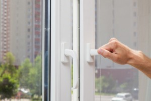 Miért döntsünk nyáron ablakcsere mellett?